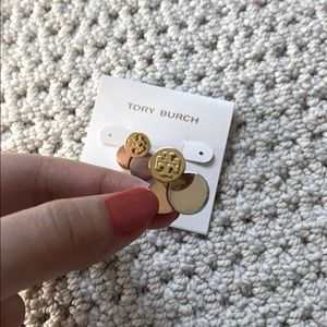 SUPER CUTE Tory Burch triple color earrings